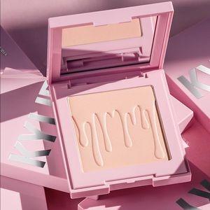 BNIB Kylie Cosmetics Perfecting Powder